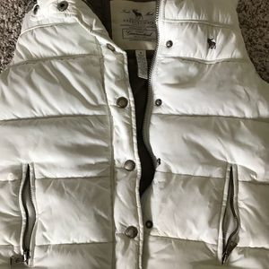 Abercrombie & Fitch Jackets & Coats - Super warm vest